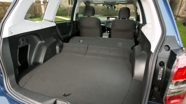Subaru Forester 2.0D XC boot