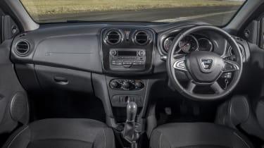 Dacia Sandero SCe 75 Ambiance - interior