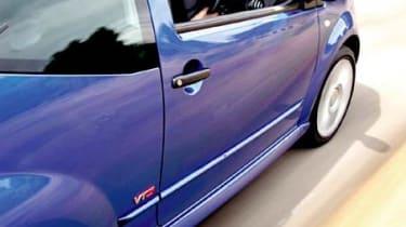 Side view of Citroen C2 VTS