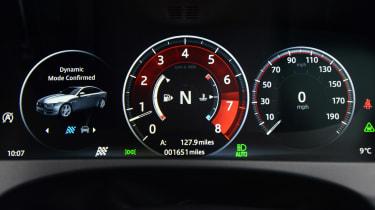 Jaguar XE 300 Sport - dials