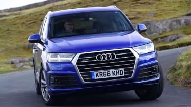 Audi Q7 - front action