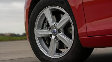 Volvo V40 - wheel detail