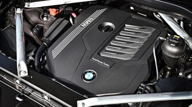 BMW X7 - engine
