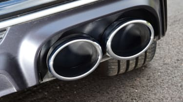 Audi S6 Avant - exhausts