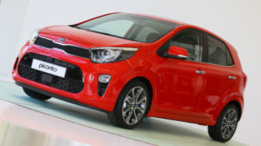 Kia Picanto 2017 - red front quarter
