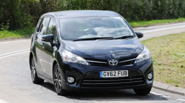 Toyota Verso front action