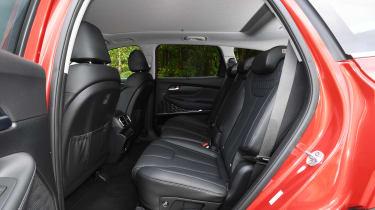 hyundai santa fe rear seats legroom