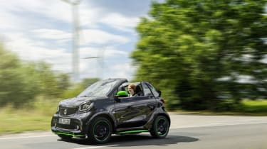 Smart ForTwo Cabrio Electric Drive - on the road