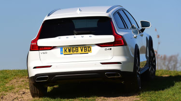 Volvo V60 Cross Country - rear action