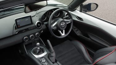 Mazda MX-5 Recaro - interior