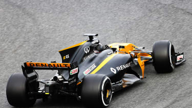 Formula 1 2017 - Renault rear cornering