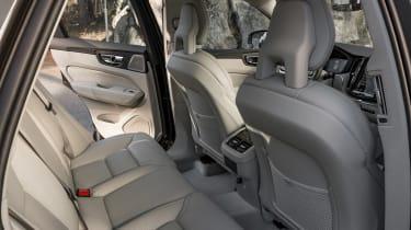 Volvo XC60 2017 - grey rear seats
