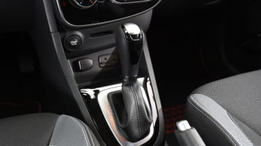 Renault Clio old vs new - Mk4 gearlever