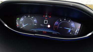 Peugeot 3008 brown - instrument display