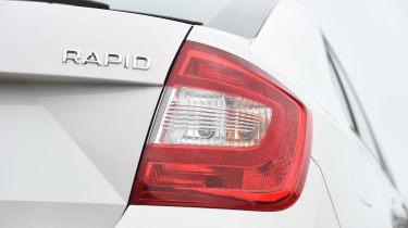 Fiat Tipo vs Skoda Rapid vs Citroen C4 - Rapid taillight