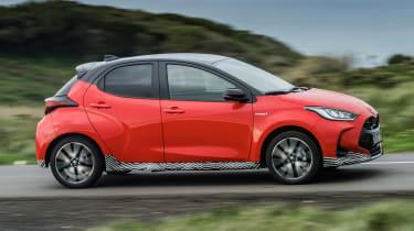 2020 Toyota Yaris - side tracking