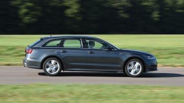 Audi A6 Avant - side tracking