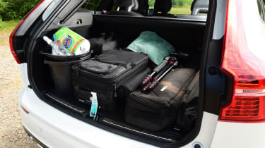 Volvo XC60 - boot full