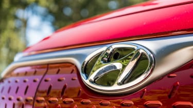 Hyundai Kona Electric - front badge