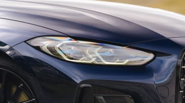 BMW M440i Convertible - front lights