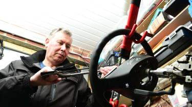 Steering wheel lock test