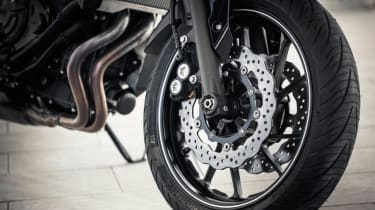 Yamaha MT-07 review - front wheel package