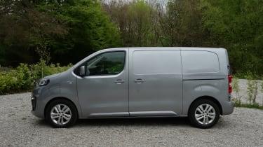 Peugeot e-Expert - profile