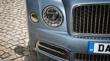 Bentley Mulsanne 2016 - headlight