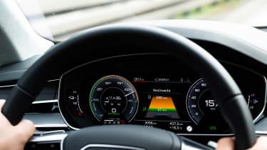 Audi A8 60 TFSI e - dials
