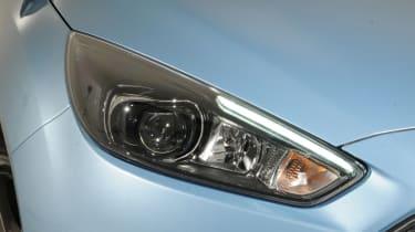 Ford Focus 2014 facelift light