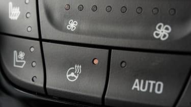 Vauxhall Grandland X Ultimate - buttons