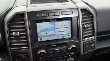 Ford F-150 Raptor pick-up truck - infotainment