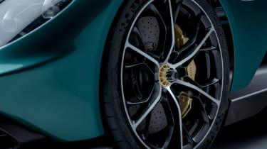 Aston Martin Valhalla - wheel