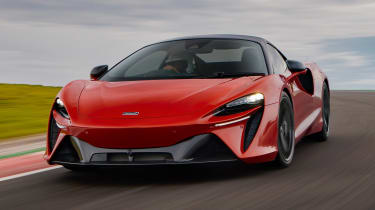 McLaren Artura - track front