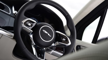 Jaguar I-Pace - steering wheel