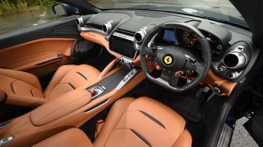 Ferrari GTC4 Lusso - interior