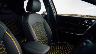 Kia XCeed 1.4 petrol - front seats