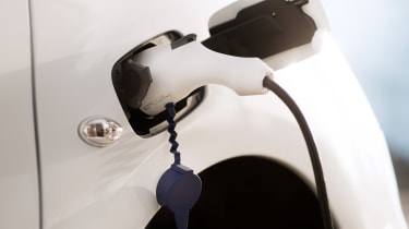Citroen E-Berlingo Multispace - charging