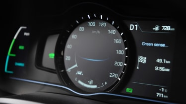Hyundai Ioniq Plug-in hybrid - dials