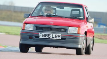 Vauxhall Nova 1.4SR - front