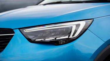 Vauxhall Crossland X - front light detail