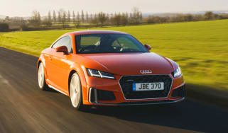 Audi TT Coupe - front tracking
