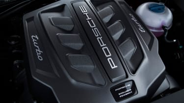 Porsche Macan Performance Package - engine