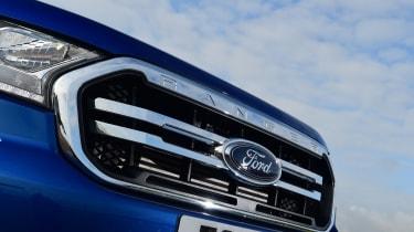 Ford Ranger - grille