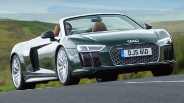 Audi R8 Spyder V10 plus - front bumper action
