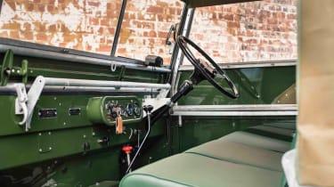 Land Rover Series 1 Reborn - interior