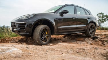 Porsche Macan 2018 prototype rut