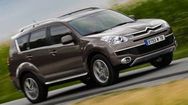 Citroen C-Crosser mpv front tracking