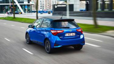 Toyota Yaris Hybrid Bi-Tone - rear tracking