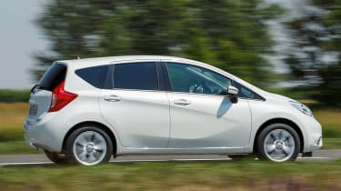 Nissan Note panning